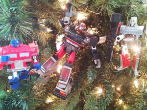 Transformers News: Twenty-five Days Of Transformersmas: A Holiday Photo Challenge!