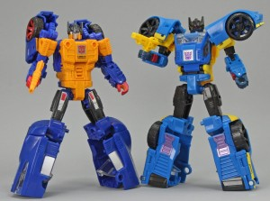 Comparison Pictures of Transformers Earthrise Galactic Odyssey Dominus Pursuit Set