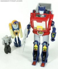 New Galleries: e-Hobby Exclusives Orion Pax, Dion, & Barrelroller