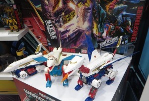 Transformers News: New Transformers Earthrise Sky Lynx Image Including Comparison to G1 Toy and More Australia Toy Fair Images