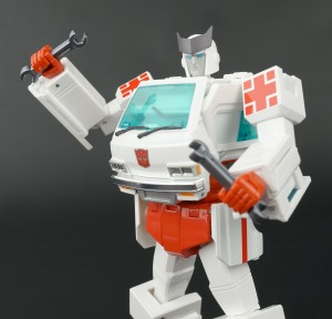 Transformers News: New Gallery: Transformers Masterpiece MP-30 Ratchet