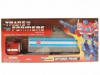 Transformers News: BBTS Sponsor News: Commemorative Reissues G1 Optimus Prime and Soundwave