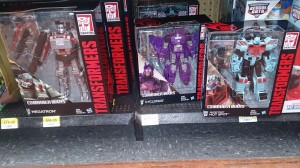 Transformers News: Transformers Generations Combiner Wars Hot Spot and Cyclonus at Mexican Retail
