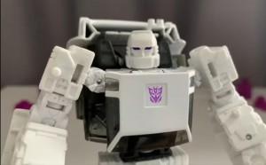 Transformers: Earthrise Runamuck Video Review