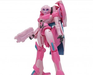 New Images for Cyberverse Deluxe Arcee and Thunderhowl + Battle Call Megatron and Starscream