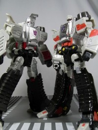 Transformers News: New Images of Transformers United Voyager Megatron