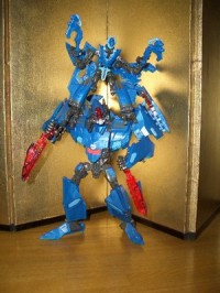 Transformers News: New Images of G2 2010 Dreadwing and Smokescreen