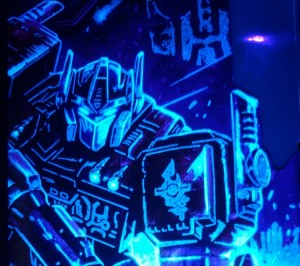 Transformers News: Get a clear look at the extra hidden details on Siege Voyager packages