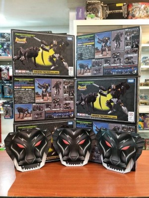 New In Package Images of Takara Tomy Transformers Masterpiece MP-34S Shadow Panther & Collector Coin