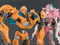 New Transformers Prime galleries: NYCC exclusive set (Bumblebee, Arcee, Jack, and Raf)