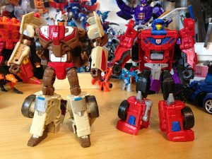 Transformers News: Pictorial Review for Transformers Titans Return Chromedome and Mindwipe