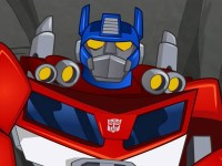 Transformers News: Exclusive promo images of Optimus and Bumblebee from Transformers: Rescue Bots season finale