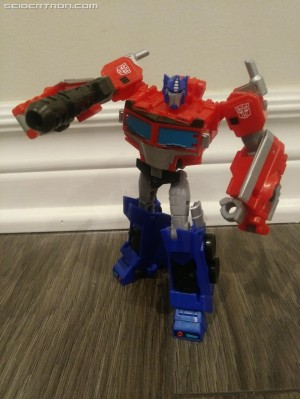 Transformers News: Video Review for Transformers Cyberverse Deluxe Optimus Prime and Shockwave