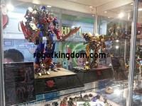 Transformers News: New Images and Details: Calibre Transformers DOTM Optimus Prime and Bumblebee