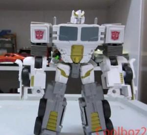 Video Review - Transformers Generations Combiner Wars Battle Core Optimus Prime