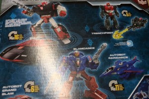 Transformers News: New Images of Transformers War for Cybertron: Siege Autobot Alphastrike Counterforce