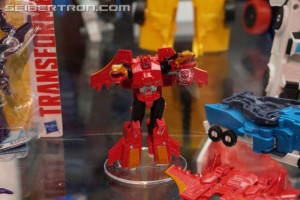 Video Review for Transformers: Robots in Disguise Combiner Force Legion Twinferno