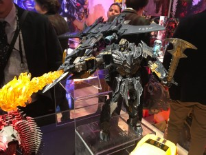 Toy Fair 2017 - Transformers: The Last Knight: Megatron, Scorn, Hound, Dragons, Masterpiece Bumblebee, More #TFNY #HasbroToyFair