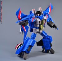 "Transformers News: Hasbro Toys""R""Us Exclusive Masterpiece Thundercracker Review"
