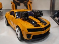 Transformers News: New Images of Transformers Masterpiece Movie MPM-01 Starscream & MPM-02 Bumblebee