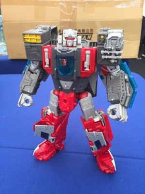 Transformers News: Transformers Titans Return Voyager Broadside Revealed in Taiwan