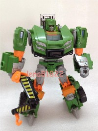 Transformers News: In-Hand Images: Transformers Generations Deluxe Hoist