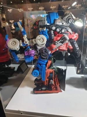 First Look at Studio Series Scrapper and Overload in Combined Devastator