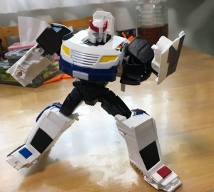 In Hand Images of the New Prowl and Jetfire Figures from the Generations Cyber Battalion Line