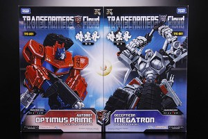 Transformers News: First Look at Packaging of Cloud Optimus Prime and Megatron