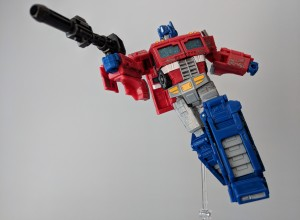 Transformers News: Comparing Poseability Between Siege Optimus Prime and MP-44 Optimus Prime