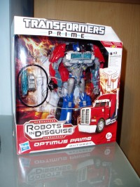 Transformers News: Transformers Prime Powerizer Optimus Prime In-Hand Images