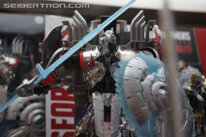 SDCC 2014 Coverage: Updated Age of Extinction Galleries