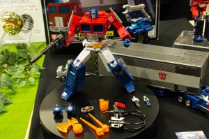 Transformers News: First Images of Box and Card for Masterpiece MP-44 Optimus Prime 3.0