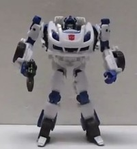 Transformers News: Transformers Generations: Fall of Cybertron Deluxe Jazz Video Review