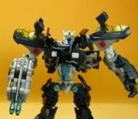 Transformers News: Video Review of DOTM Skyhammer