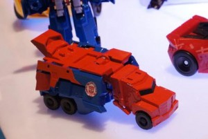 Transformers News: Video Review for Transformers Robots in Disguise One-Step Changers Advanced Optimus Prime