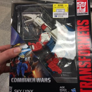 Transformers Combiner Wars Sky Lynx and Onslaught Showing Up at Ross