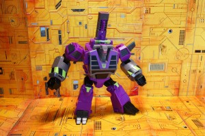 Transformers News: In Hand Images and Sighting of Cyberverse Ultra Class Clobber