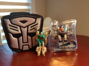 In Hand Images of Transformers: The Last Knight Valvoline Lunch Box