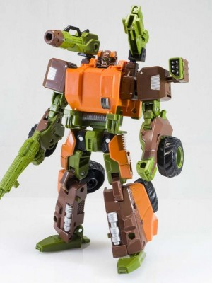 Transformers News: In-Hand Images: Transformers Generations Voyager Roadbuster
