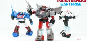 New English Video Review of Transformers Earthrise Bluestreak