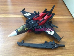 Transformers News: In-Hand Images: Generations Deluxe Windblade