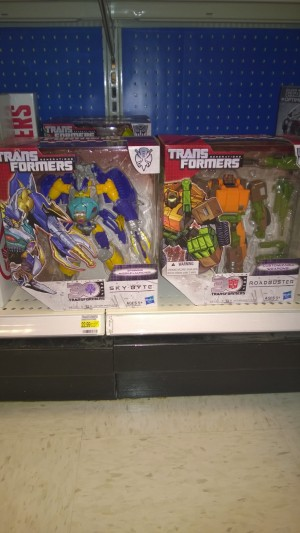 Transformers News: Transformers Generations Voyager Sky-Byte and Roadbuster Sighted at US Retail