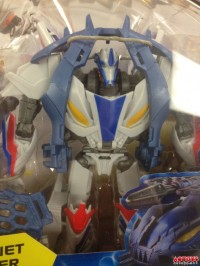 "Transformers News: In-Package Images: Transformers Prime ""Beast Hunters"" Deluxe Smokescreen"