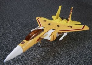 Transformers Masterpiece Prowl and Sunstorm Confirmed at Future UK Retail