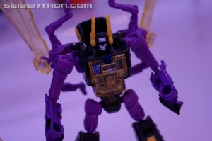 Transformers News: NYCC 2016 Gallery: Titans Return Brawn, Kickback, Voyager Optimus Prime, Titan Masters Repugnus, Shuffler and more