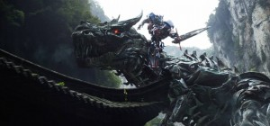 Transformers News: Transformers: Age of Extinction Opens in Japan - Interview with Bay, Wahlberg and More