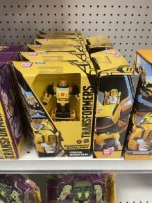 Origins Bumblebee Has Been Found in Toysrus Canada