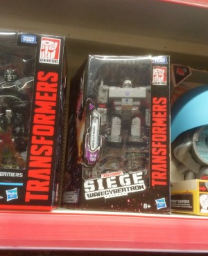 Transformers War for Cybertron: Siege Figures Sighted At UK Retail