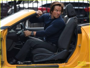Transformers News: Transformers: The Last Knight - Mark Wahlberg Interview, Mini-Dinobots, Surprises